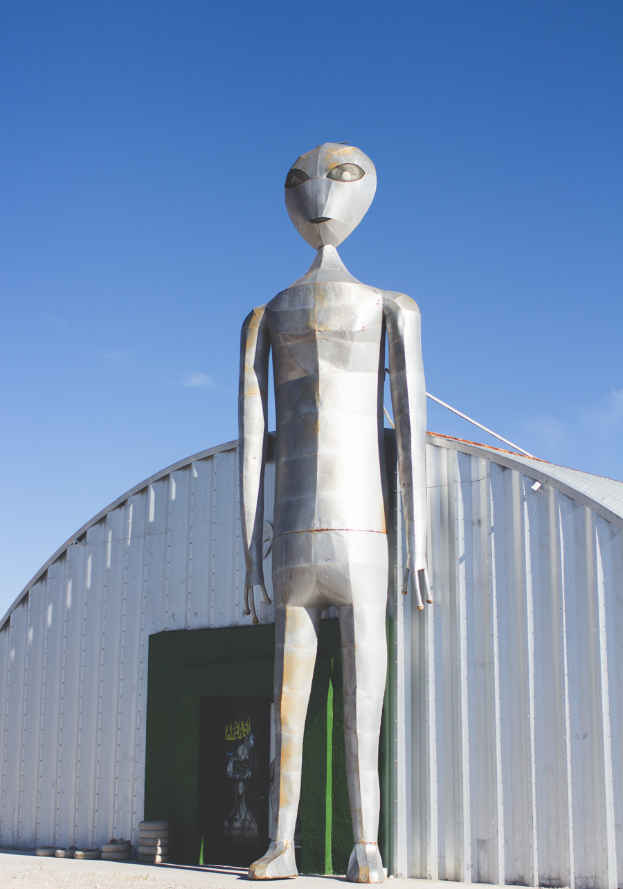 alien welcome center, alien research center, desert, alien, area 51