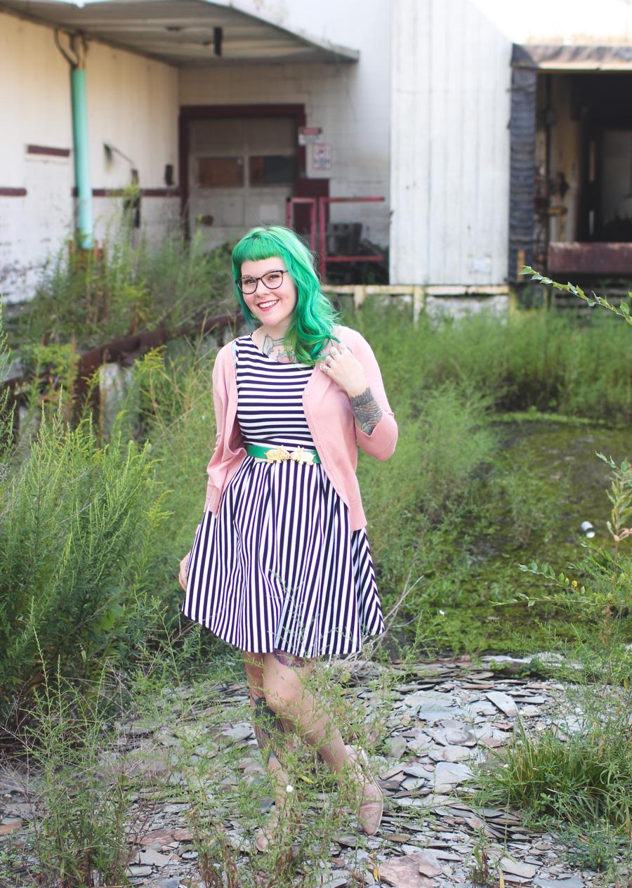 cleveland blog, cleveland fashion blogger, ohio, fashion blog, kaylah doolan, green hair, striped dress