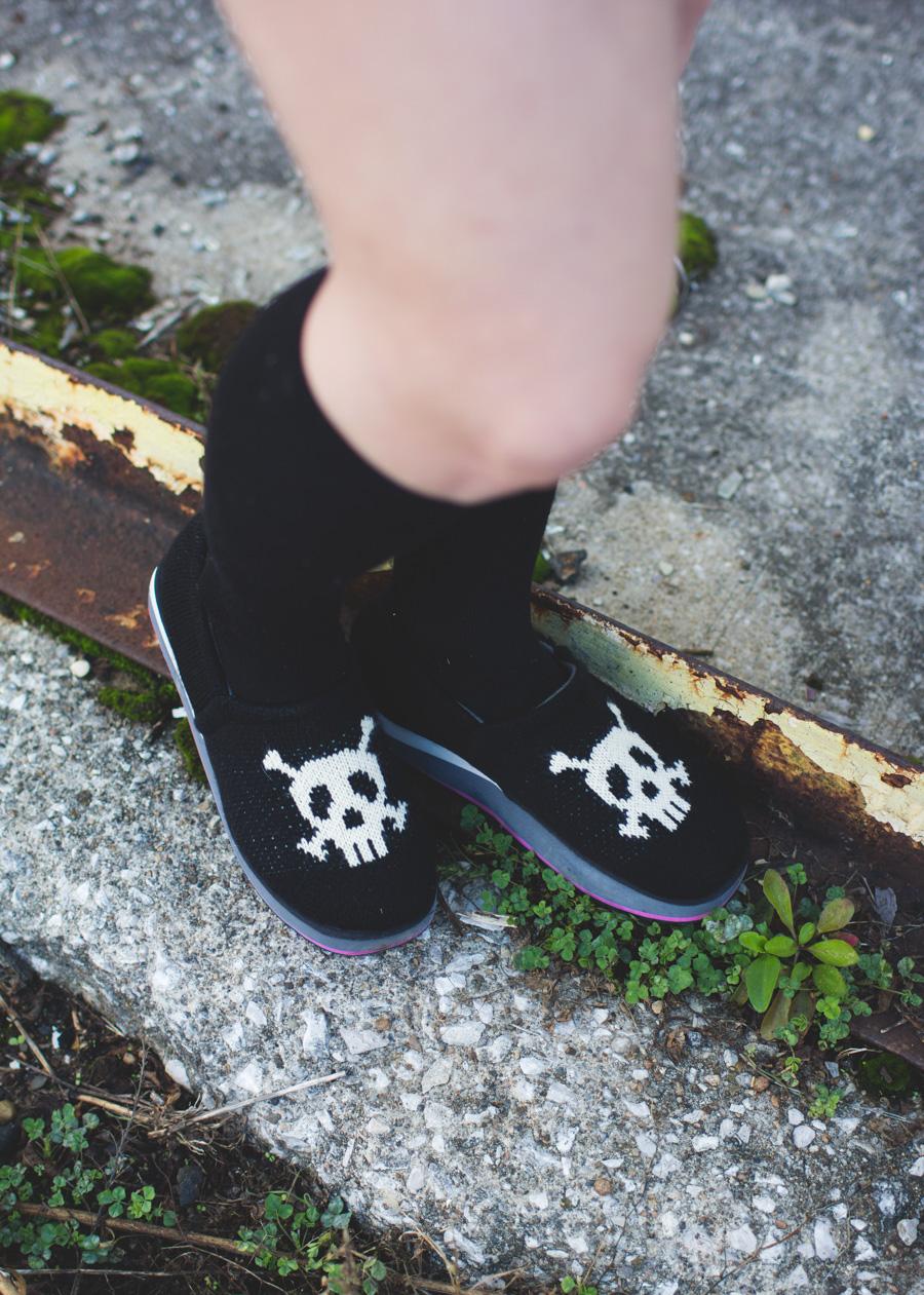 knit shoes