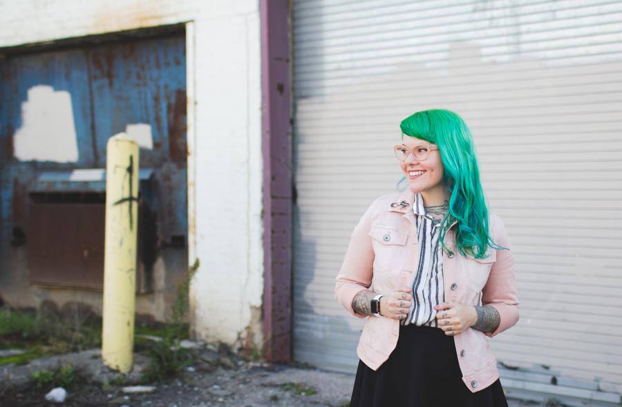 kaylah doolan, green hair, pink jean jacket, ohio, cleveland blog