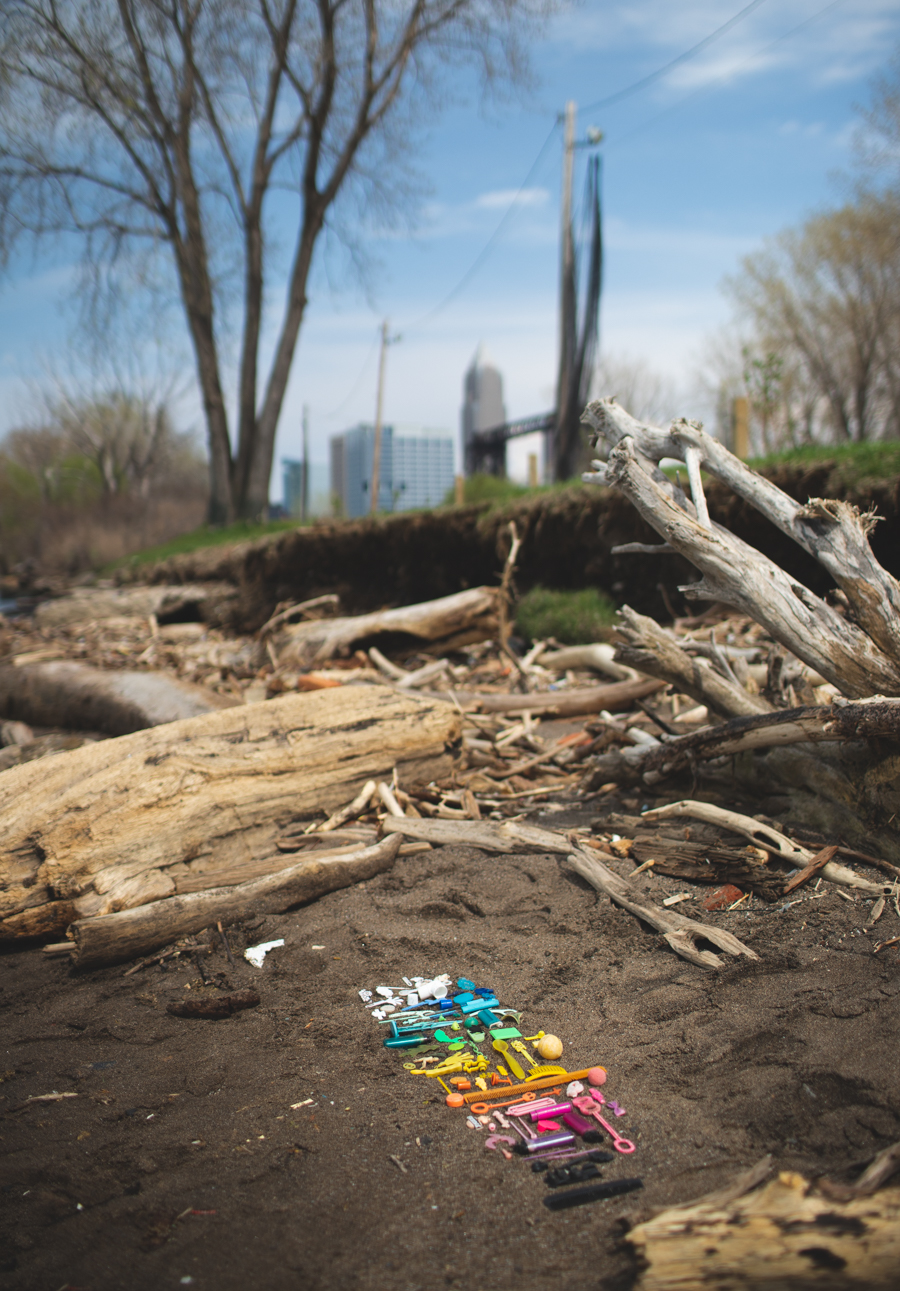 great lakes plastic pollution, cleveland beach