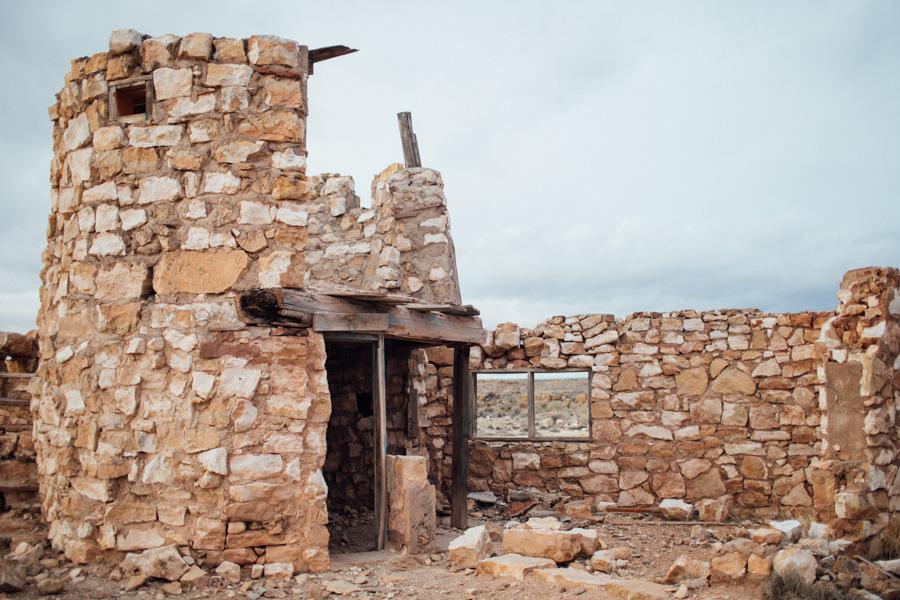 Two Guns ruins