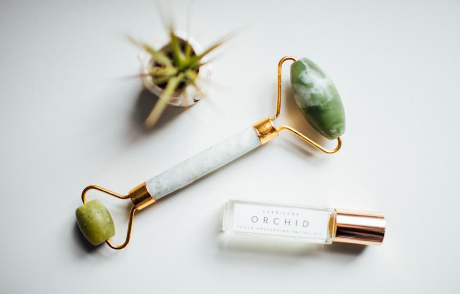 Jade face roller + Herbivore Botanicals Orchid